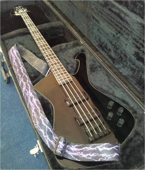 My shiny new bass: a glossy black Ibanez ICB300EX